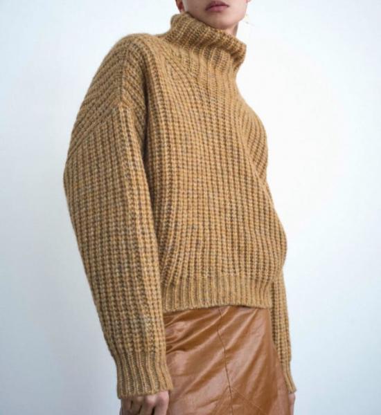 Джемперы вязаные патентными узорами спицами..